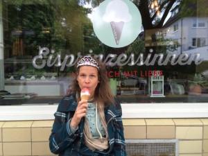 Wenn die Pflicht ruft: Prinzessin Marit Hofmann beim Ableisten ihrer repräsentativen PR-Arbeit Foto: René Martens