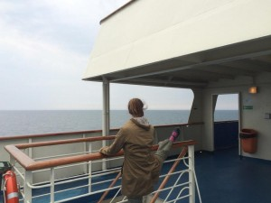 Auch die Reisezeit läßt Prinzessin Marit nicht ungenutzt verstreichen. Foto: René Martens