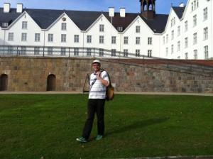 René Martens vorm Plöner Schloss