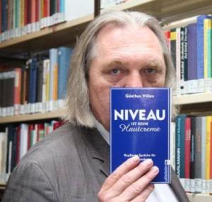 Wer das liest, lebt länger: Günther Willen mit einem seiner Bestseller
