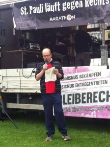 """""""Die Medienbranche hat zum Erfolg der AfD beigetragen"""": Medienjournalist René Martens bei seiner Startschussrede"""