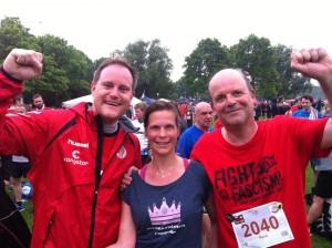 Am Ziel: Prinzessin Marit mit Mitläufern St.-Pauli-Präsident Ole Göttlich Oke Göttlich (l.) und FC-St.-Pauli-Biograph René Martens