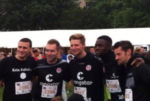 Ebenfalls on the run: Die St.Pauli-Profis Ralph Gonesch (ehemaliger), Robin Himmelmann, Marc Hornschuh, Davidson Eden, Jan-Philipp Kalla
